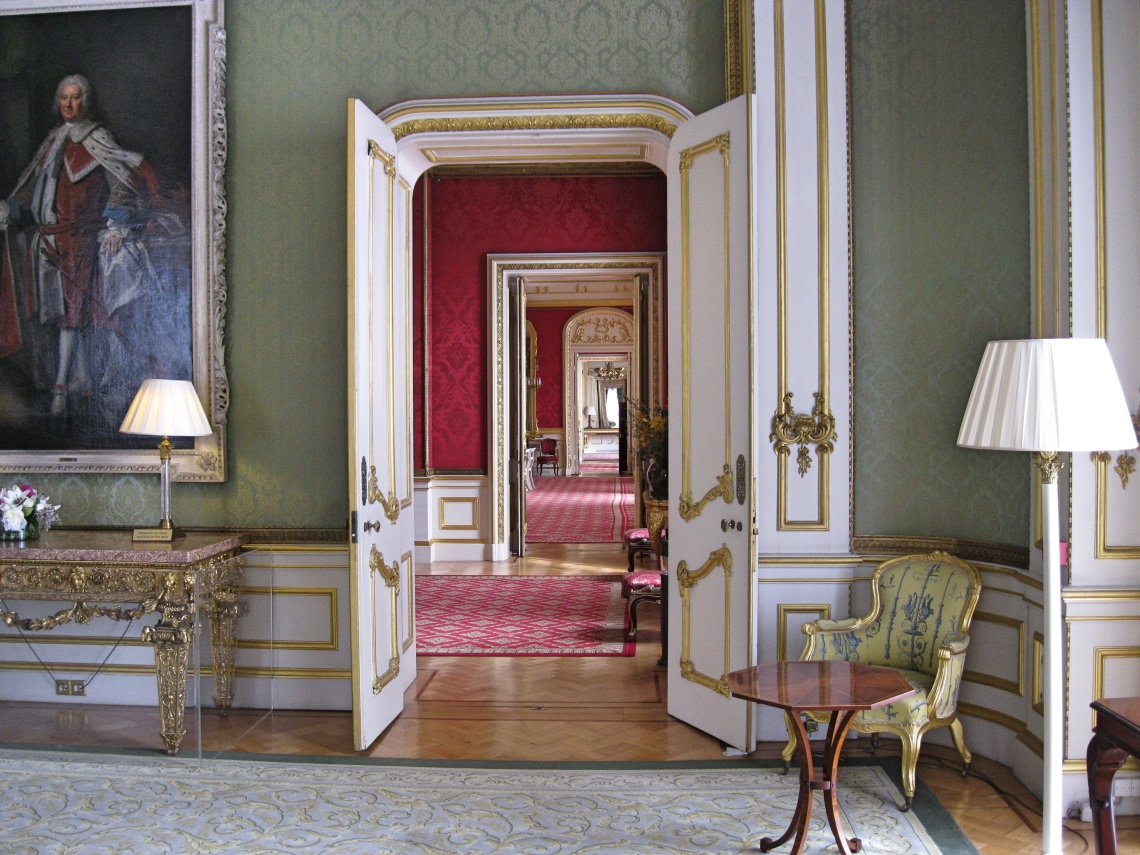 Lancaster House - fine room repairs and redecoration